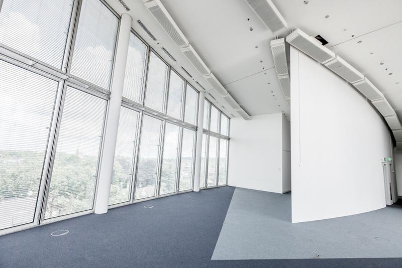 Norman Foster Bau in Duisburg
